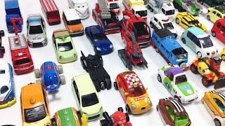 coche de juguete autobs thomas y sus amigos con 49 coches tomica 00836 es