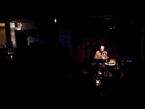 Ton de Leeuw - Mountains, performed by Chris Cundy