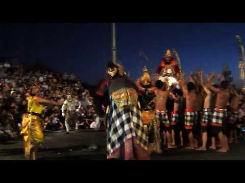Awesome Kecak performance! (Bali, Uluwatu) Kecak Dance - Balinese Culture Show