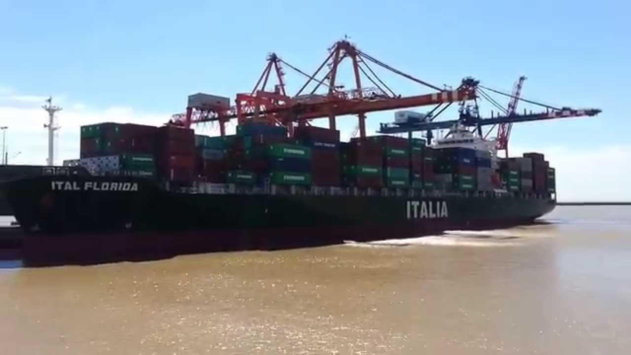 Barco porta contenedores italiano y barco petrolero puerto buenos aires youtube - Contenedores de barco ...