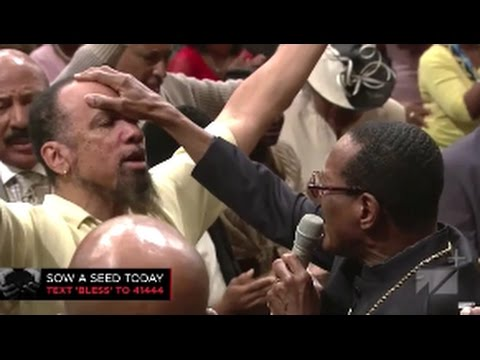 COGIC Presiding Bishop Blake Laying Hands Altar Call West Angeles COGIC!