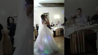 Невеста растрогала жениха до слез...