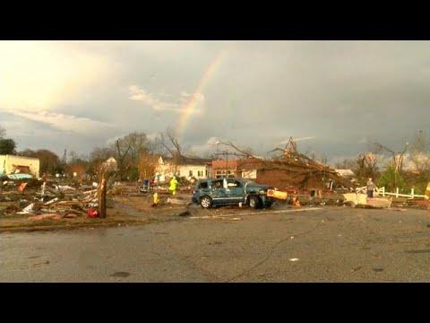 شاهد: اعصار يضرب ألاباما وعاصفة شتوية تتجه نحو الشمال الشرقي للولايات المتحدة…  - نشر قبل 4 ساعة