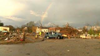 شاهد: اعصار يضرب ألاباما وعاصفة شتوية تتجه نحو الشمال الشرقي للولايات المتحدة…