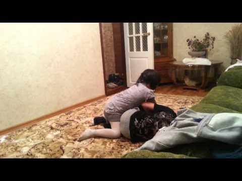 Как меня побила моя младшая сестра