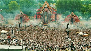 Defqon.1 - Earthquake | Crowd Control - Left To Right thumbnail