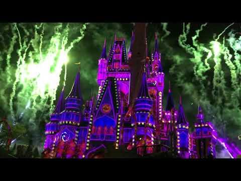 Magic kingdom Fireworks April  2018 Orlando florida / Disney / Epcot