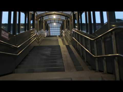 как объявляют поезда на вокзале в Витебске (HD) (июль,2017)