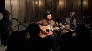 こういう静かな曲も実は大好きです 2013年10月26日 札幌Coo.