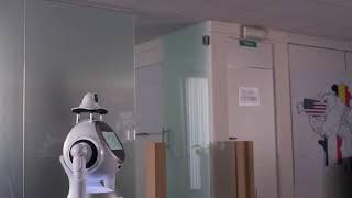 Le robot CRUZR Prévention avec la fonction contrôle d'accès et port du masque