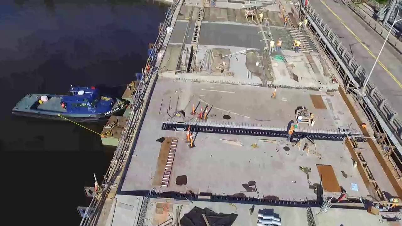July 22 2016, East meets West - Last bridge deck fly form in place ...