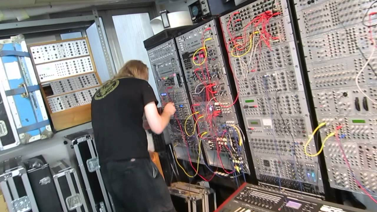 Venetian Snares in Tokyo / FiveG synth shop