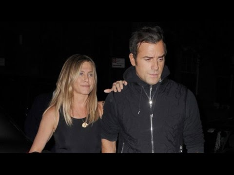 Jennifer Aniston Steps Out With Husband Justin Theroux for a NYC Date Night Amid Brangelina Split