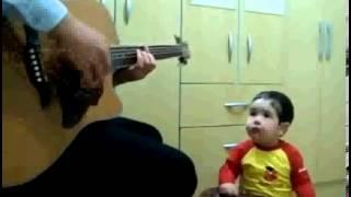 Bebe de 2 anos canta Don