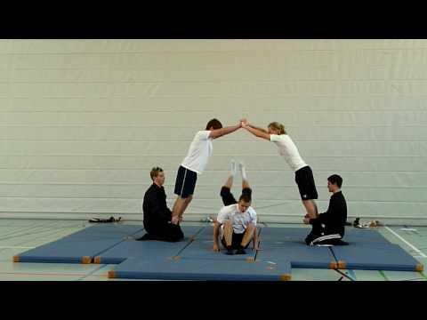 Akrobatikvideo aus dem Schulunterricht - YouTube
