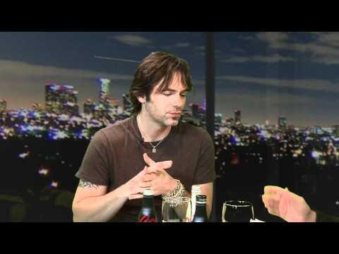 """""""Twilight"""" Star Billy Burke Talks About His Acting and Music"""
