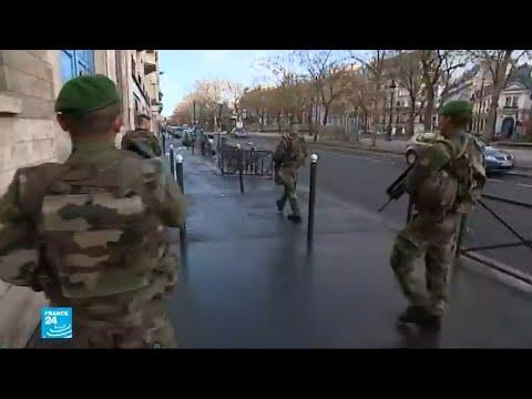 عناصر من الجيش الفرنسي في شوارع باريس لمساعدة الشرطة الفرنسية  - نشر قبل 2 ساعة