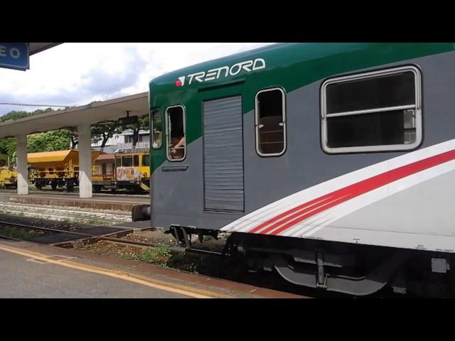 ALN 668-122 in transito alla stazione di Iseo