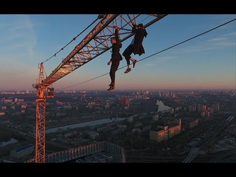 18+ Упал башенный кран, погибли люди!!! Ураган в России 26 июня, подборка самого шокирующего №4
