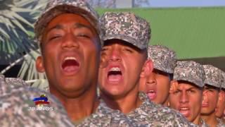 Drill Instructors de la Armada Nacional enseñan disciplina a los reclutas en  Coveñas