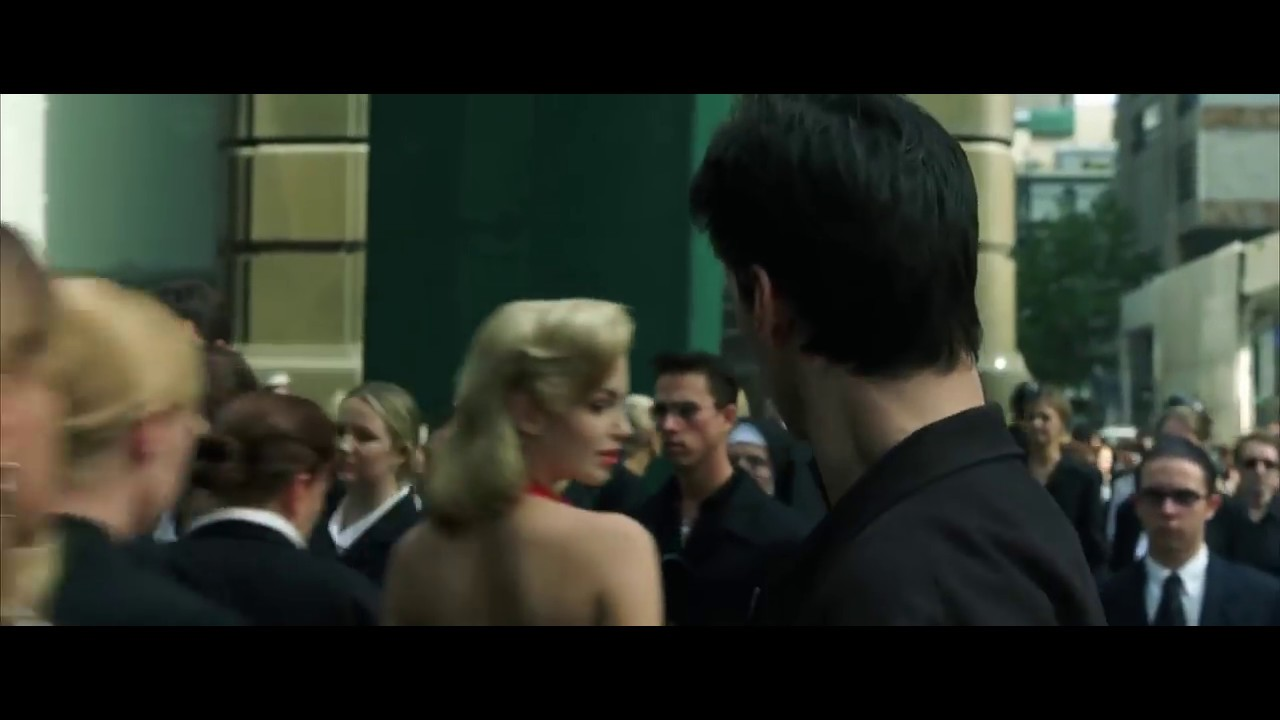 51335cfe38d Матрица   Девушка в красном - YouTube