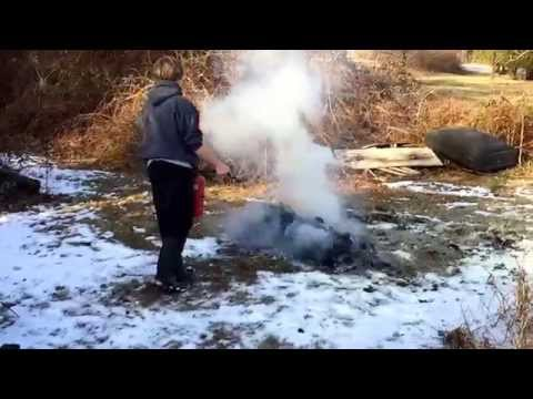 Dry chemical fire extinguisher vs air-pressurized water extinguisher on cardboard fire