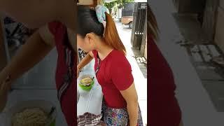 Download Video VIRAL..PENJUAL MIE AYAM CANTIK MP3 3GP MP4