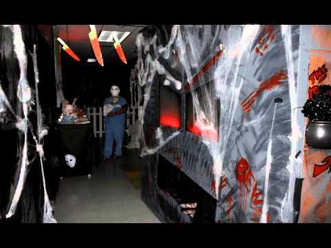 Ellerhorst elementary haunted hallway 2012 youtube for Haunted house hallway ideas