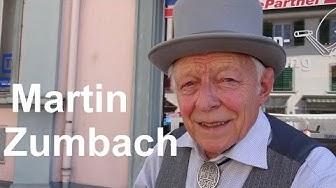 Dr. Schiwago, gespielt von Martin Zumbach auf seiner selber gebauten Walzen-Drehorgel