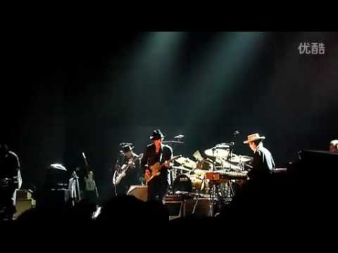 April 8, 2011  Bob Dylan in Shanghai, China   Concert Video