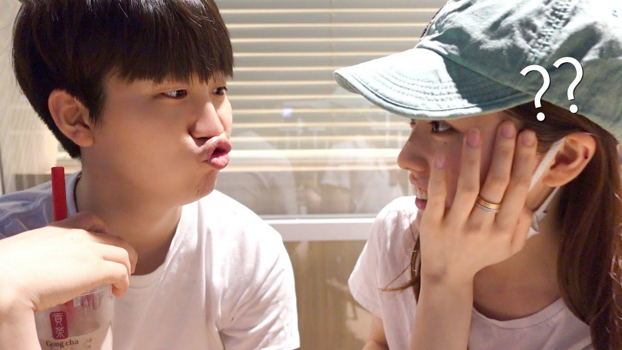 갑자기 닭똥집 입술을 내밀었을때, 일본여친의 반응은ㅋㅋㅋ?💋