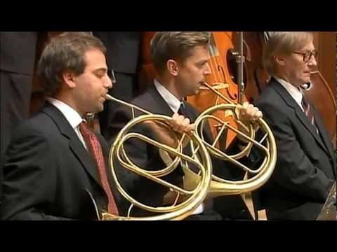beethoven's-8th-symphony,-two-horn-solo-3rd-movement.
