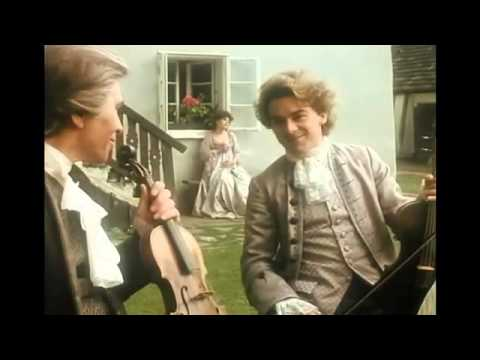 Mozart playing viola in a string quartet (Movie)