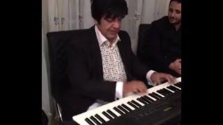 الموسيقار مجدي الحسيني يقدم اروع المعزوفات الغنائية  في منزل المحامي أكرم أبو شرار في لوس انجلوس