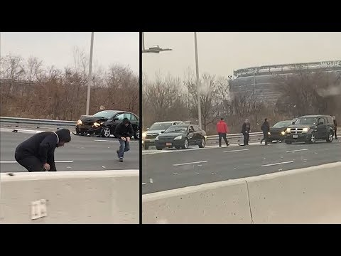 Nearly $300,000 missing after truck spilled money on New Jersey highway