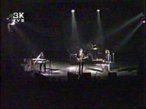 EKV - KAO DA JE BILO NEKAD (MI MENJAMO DAN ZA NOC) - 7 - Live BG Dom Omladine