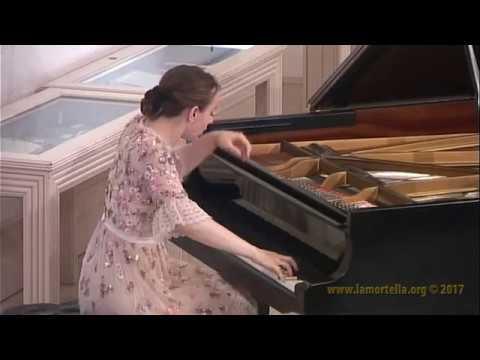 Oxana Shevchenko esegue P.I. Tchaikovsky - Le Stagioni op. 37a