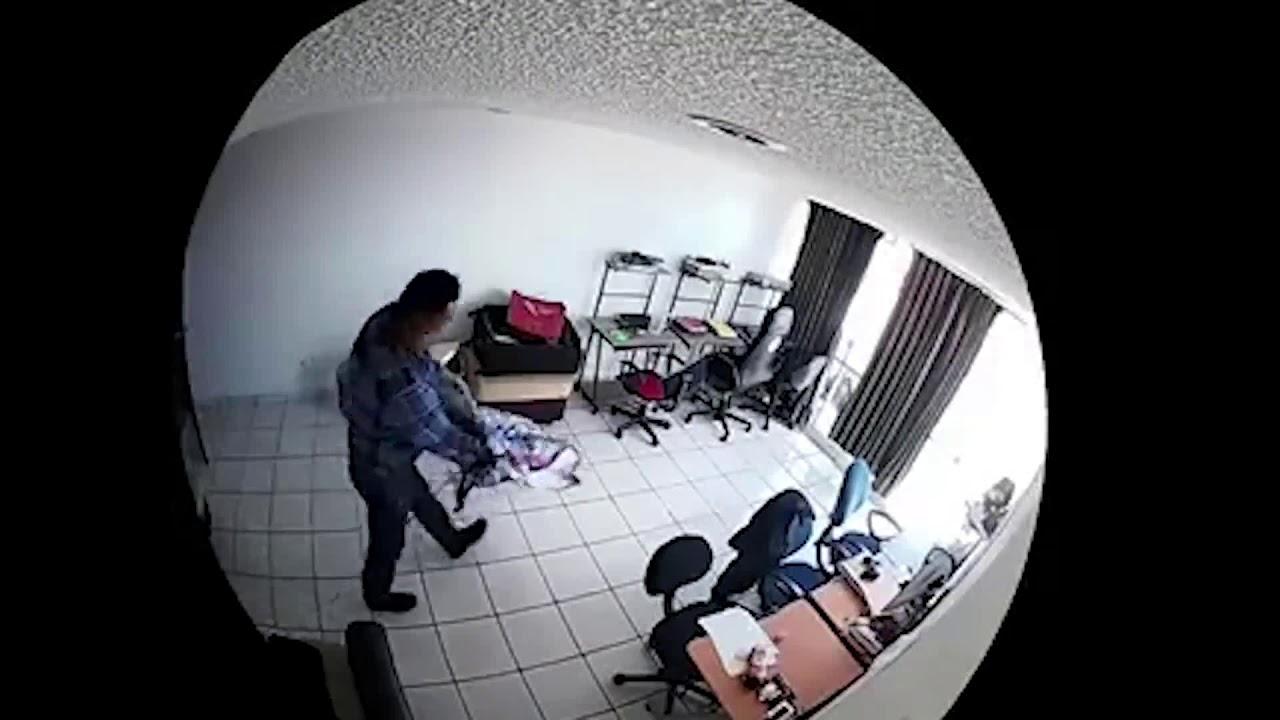 2c3ac7917f00 Graban asaltos a casas y negocios de la Condesa  los ladrones ni se inmutan