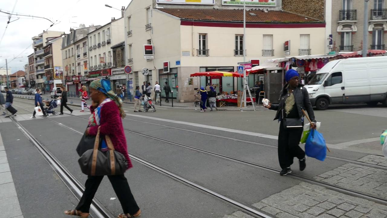 Tram crowd at La Courneuve-8 Mai 1945 - YouTube fb8678b02502