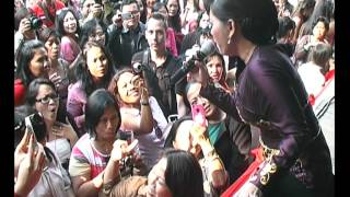 Video PESTA RAKYAT INDONESIA 2012 IKKE NURJAHAH sekuntum mawar merah download MP3, 3GP, MP4, WEBM, AVI, FLV Juni 2018