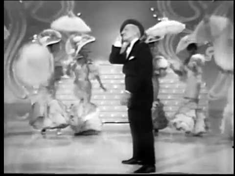Jimmy Durante plays the Palace (12/10/66)