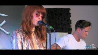 Florence and the Machine - Shake It Out (LIVE)