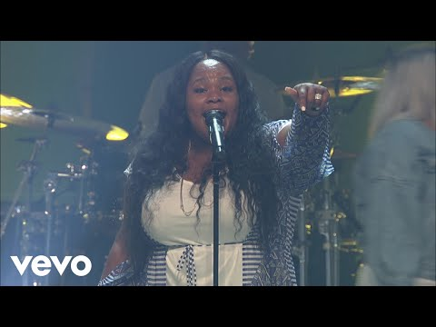 Tasha Cobbs Leonard - Put A Praise On It (Praise/Live At Passion City Church)