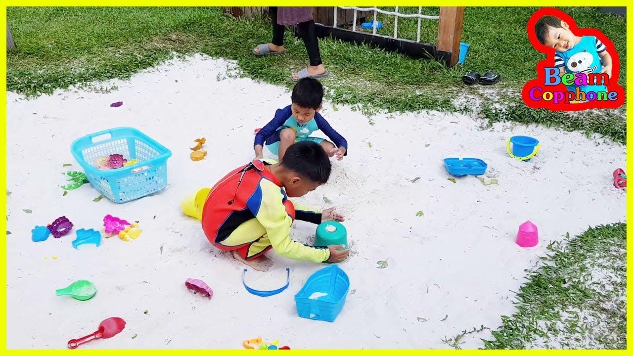 น้องบีม   เล่นสนามเด็กเล่น เที่ยวชลบุรี บัลโคนีซีไซด์ศรีราชา