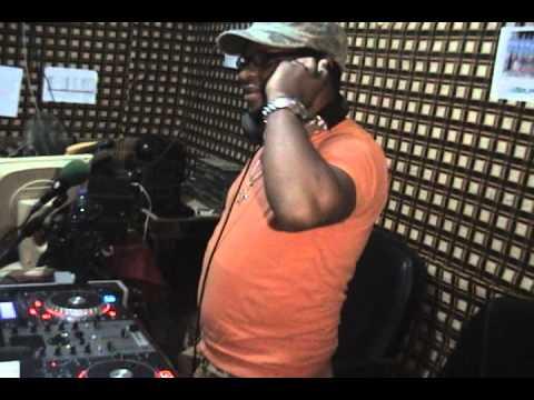 DJ TUY LIVE RADIO JOVEM BISSAU 2011 PART 2.wmv