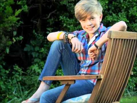 Ronan Parke - Make You Feel My love - Lyrics :D