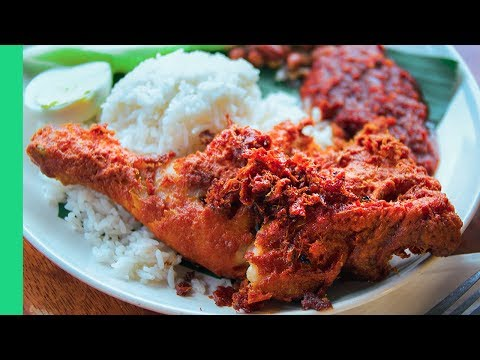 Mouth Watering Nasi Lemak in Kuala Lumpur! (Haters will say it's not the best)