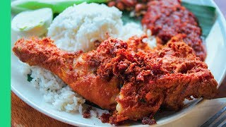 Mouth Watering Nasi Lemak in Kuala Lumpur! (Haters will say it