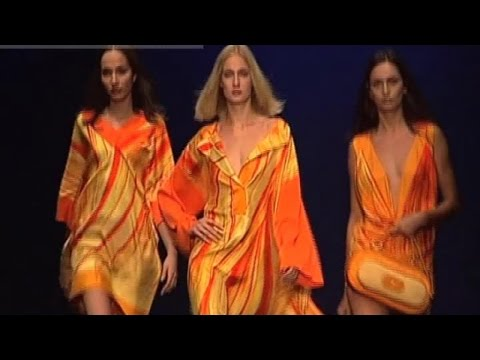 ROBERTA DI CAMERINO Fashion Show Spring Summer 2007 Milan by Fashion Channel
