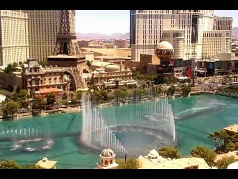 Bellagio fountain show from my salone suite on for Salone suite
